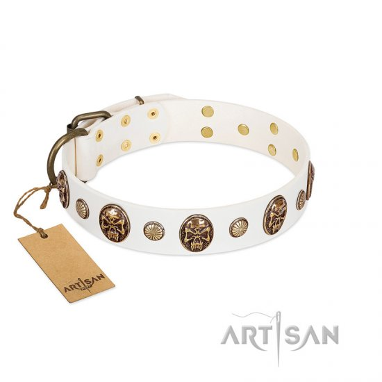 """Fatal Beauty"" FDT Artisan White Leather Newfoundland Collar with Old Bronze-like Studs and Oval Brooches"