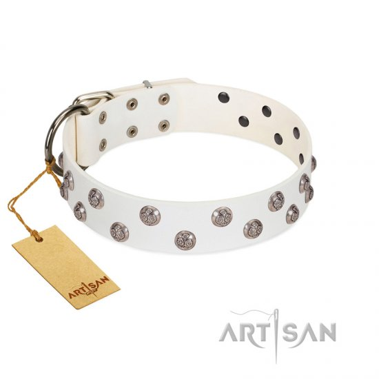 """Wild Flora"" FDT Artisan White Leather Newfoundland Collar with Silver-like Engraved Studs"