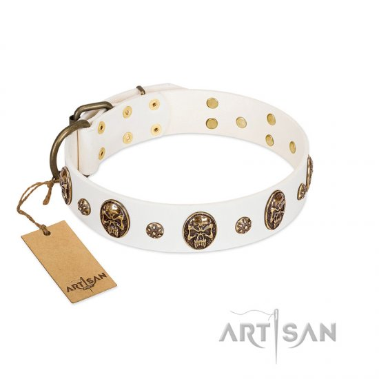 """Magic Bullet"" FDT Artisan White Leather Newfoundland Collar with Studs and Skulls"
