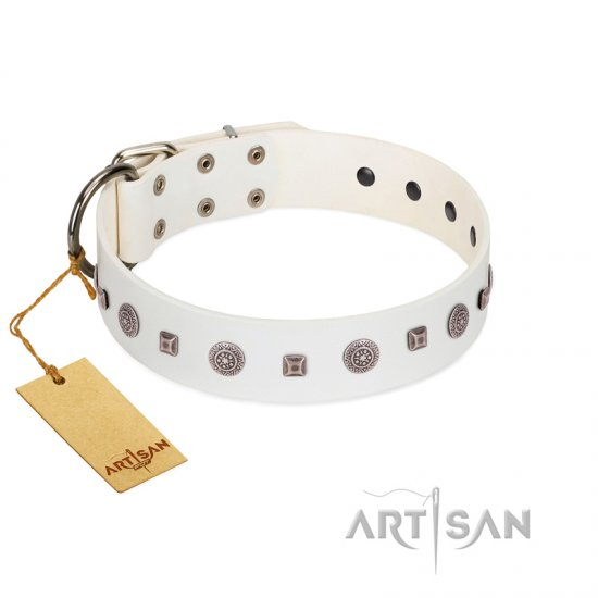 """Drops on Snow"" Handmade FDT Artisan White Leather Newfoundland Collar Adorned with Silver-Like Studs"