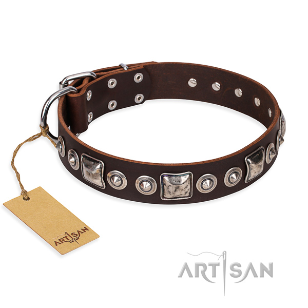 Full grain leather dog collar made of best quality material with durable buckle