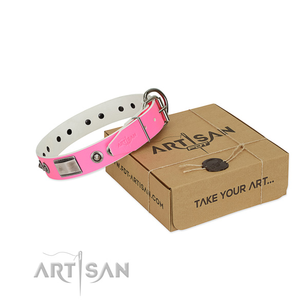 Easy adjustable dog collar of full grain leather with adornments