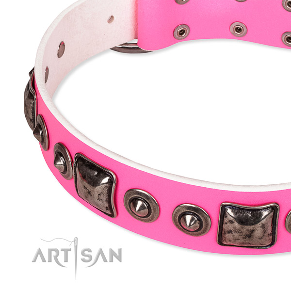 Flexible genuine leather dog collar handcrafted for your attractive pet